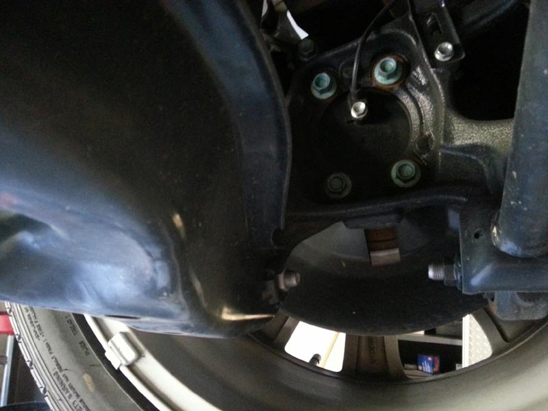 Picture of 2014 Mazda 3 rear hub